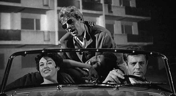 Walter Santesso (center) as Paparazzo - La Dolce Vita