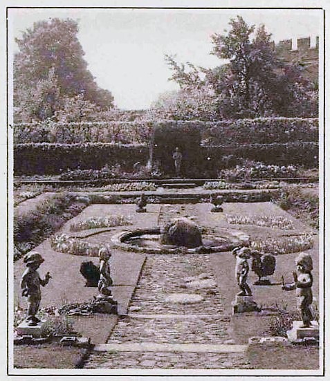 Hampton Court - Illustrated London News - 26 June 1926