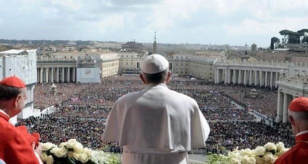Pope Francis delivers the Urbi et Orbi blessing in St Peter's Square - 31 March 2013