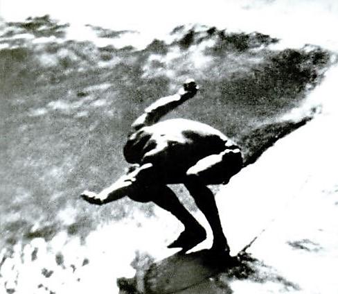 Mickey Muñoz – quasimodo – Surfing USA! – 2005