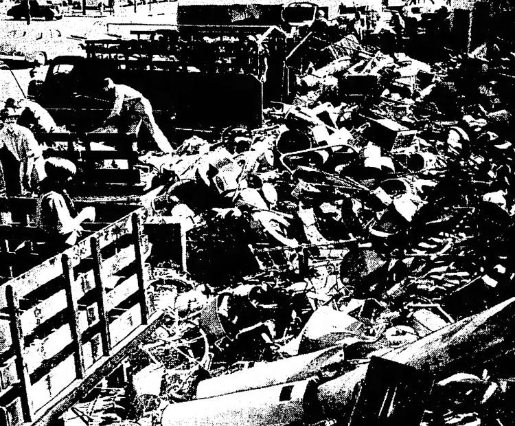 Fibber McGee's closet - The Daily Oklahoman (Oklahoma City, Oklahoma) - 11 April 1942