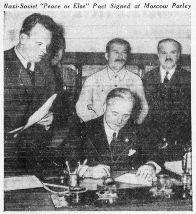 Nazi-Soviet nonaggression pact signature - Edmonton Journal (Edmonton, Alberta, Canada) - 2 Octobre 1939